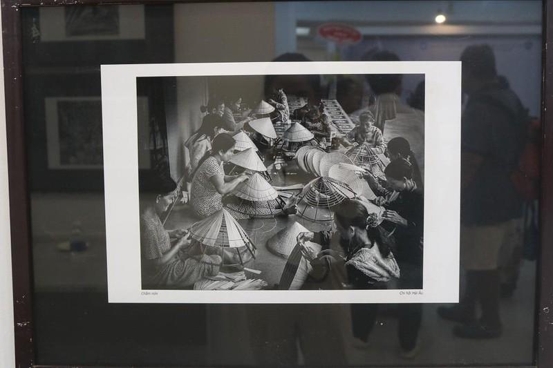 Ngắm chân dung người lao động qua ống kính nữ nhiếp ảnh gia - ảnh 3
