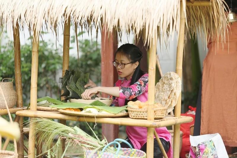 Rộn ràng 'hội làng' giữa phố Sài Gòn - ảnh 4