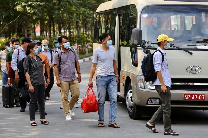 Quân đội diễn tập chống dịch COVID-19 có 30.000 người nhiễm - ảnh 9