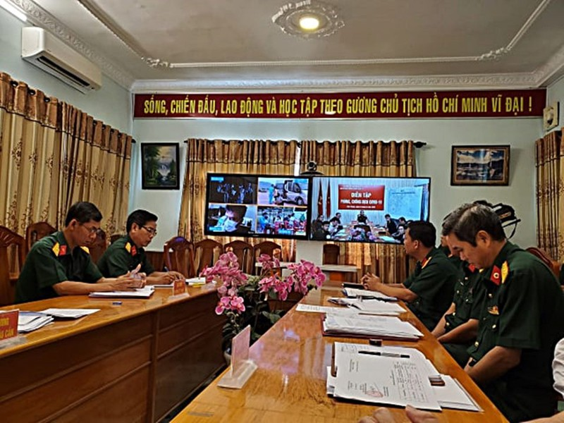 Quân đội diễn tập chống dịch COVID-19 có 30.000 người nhiễm - ảnh 22