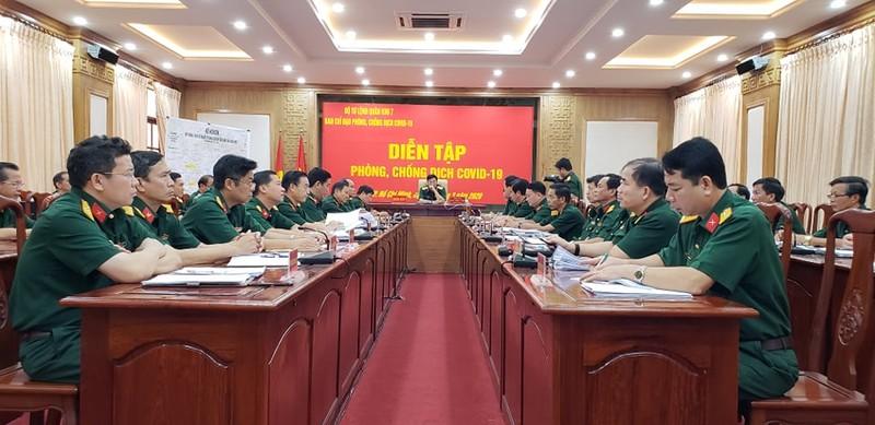 Quân đội diễn tập chống dịch COVID-19 có 30.000 người nhiễm - ảnh 21