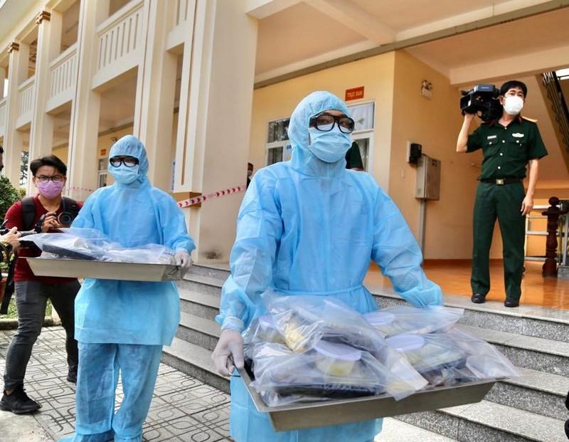 Quân đội diễn tập chống dịch COVID-19 có 30.000 người nhiễm - ảnh 19