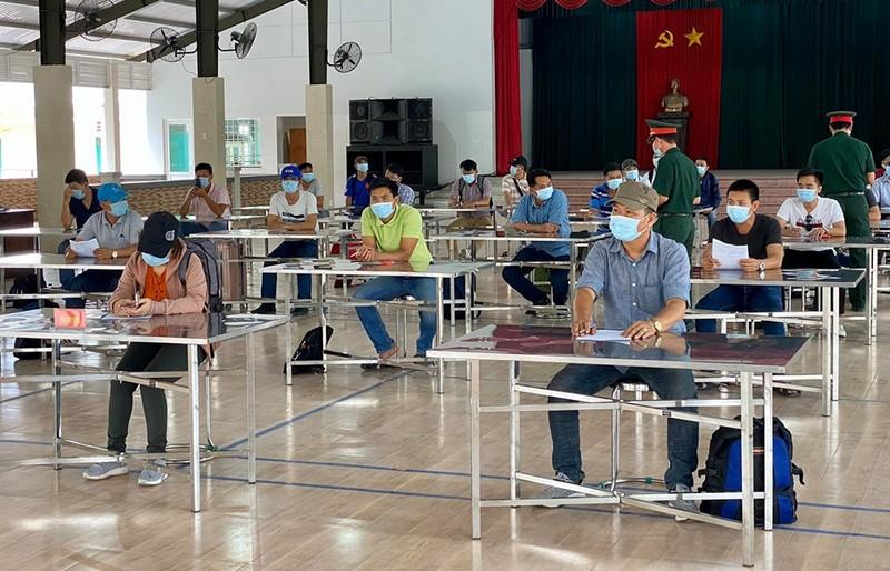 Quân đội diễn tập chống dịch COVID-19 có 30.000 người nhiễm - ảnh 14