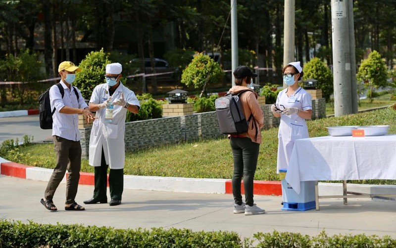 Quân đội diễn tập chống dịch COVID-19 có 30.000 người nhiễm - ảnh 10