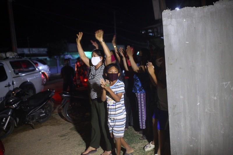 Gỡ bỏ 4 chốt kiểm soát, thôn Văn Lâm 3 chính thức hết cách ly - ảnh 2