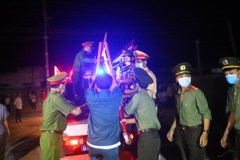 Gỡ bỏ 4 chốt kiểm soát, thôn Văn Lâm 3 chính thức hết cách ly - ảnh 7
