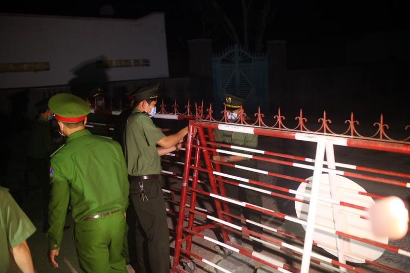 Gỡ bỏ 4 chốt kiểm soát, thôn Văn Lâm 3 chính thức hết cách ly - ảnh 5