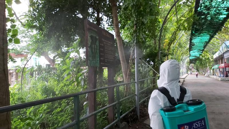 Thảo Cầm Viên được phun khử trùng, duy trì hoạt động  - ảnh 6