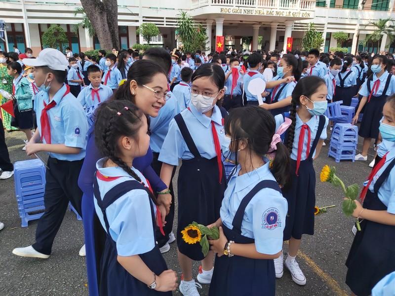 Hơn 22 triệu học sinh cả nước rộn ràng khai giảng năm học mới  - ảnh 9