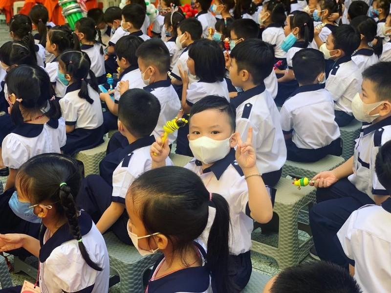 Hơn 22 triệu học sinh cả nước rộn ràng khai giảng năm học mới  - ảnh 12