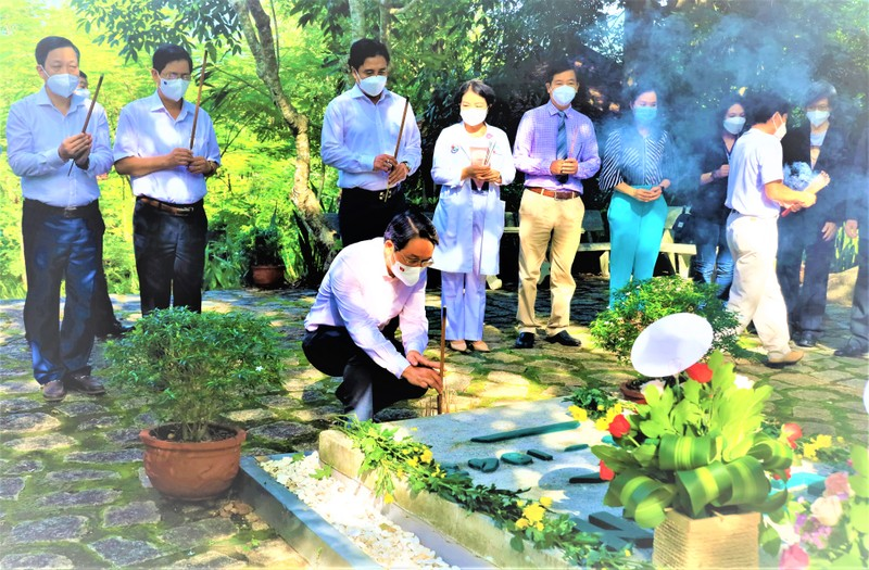 Khánh Hòa kỷ niệm 158 năm ngày sinh nhà bác học A.Yersin - ảnh 1