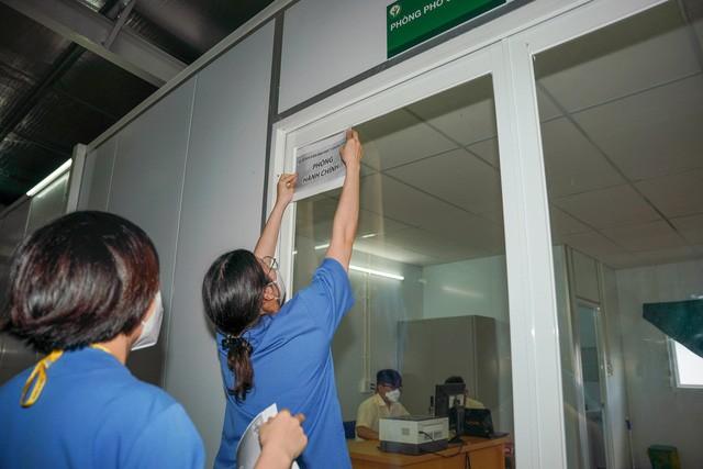 Trung tâm hồi sức COVID-19 đầu tiên của TP.HCM bàn giao nhiệm vụ - ảnh 1