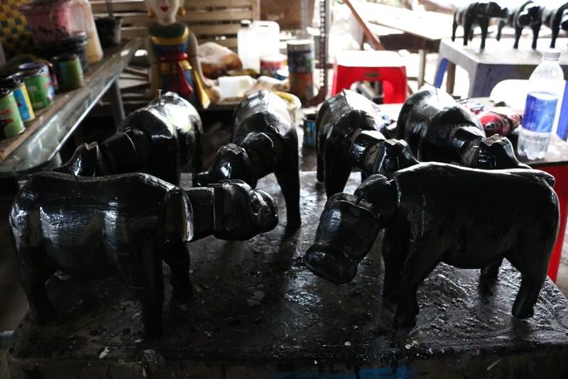 Nghệ nhân với những con rối nước hiếm hoi ở Sài Gòn - ảnh 10