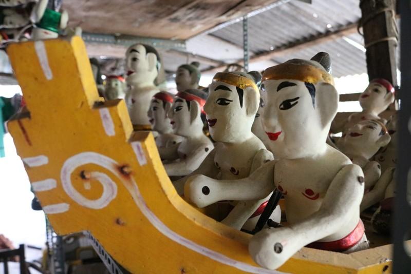 Nghệ nhân với những con rối nước hiếm hoi ở Sài Gòn - ảnh 16
