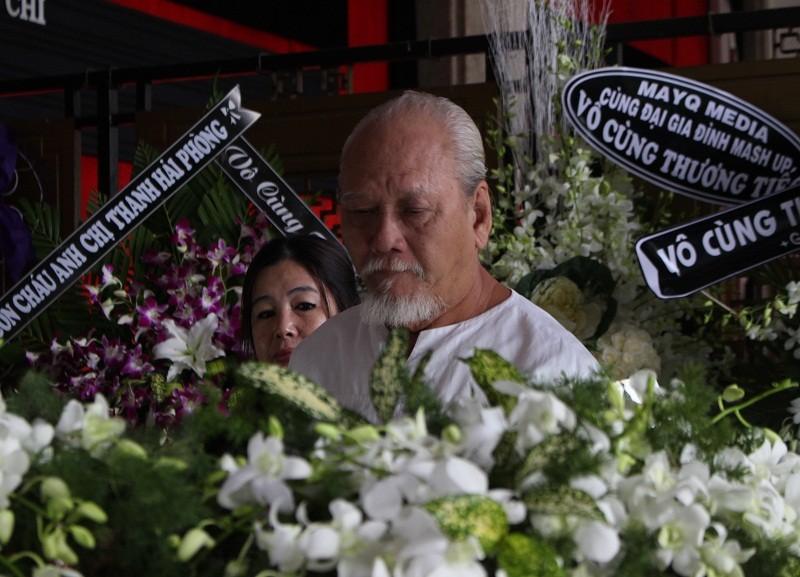 Những cảm xúc nghẹn ngào trong đám tang NSƯT Quang Lý - ảnh 4