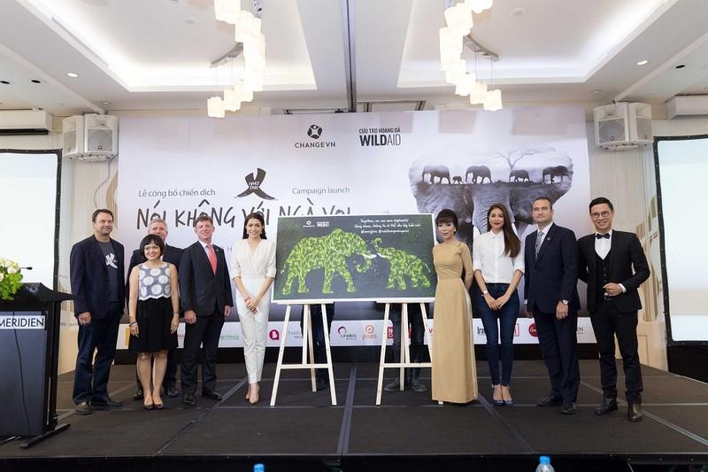 Hoa hậu Phạm Hương mong chấm dứt nạn buôn bán ngà voi - ảnh 1