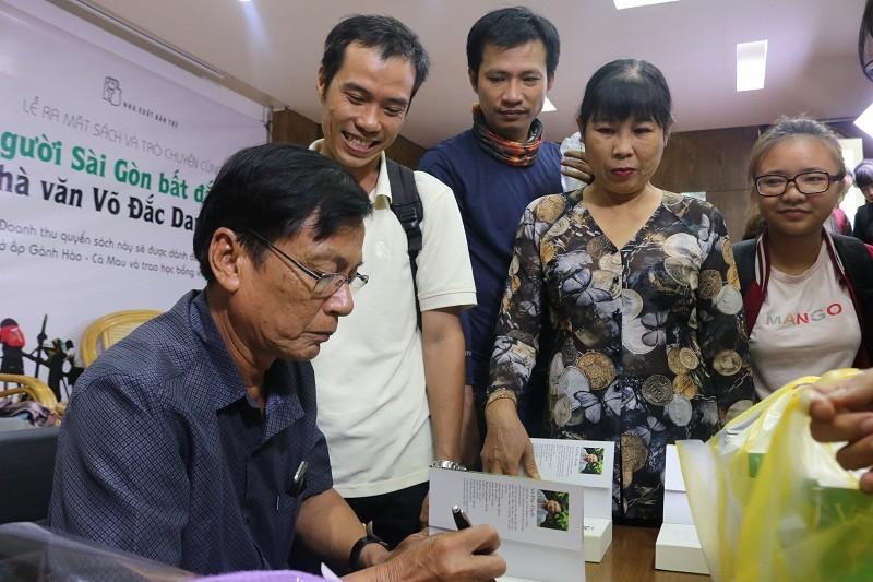 'Người Sài Gòn bất đắc dĩ' - cuốn sách của tình thương - ảnh 2