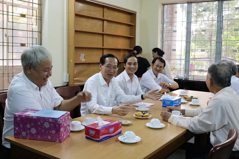 Lãnh đạo TP.HCM thăm các cựu binh chiến dịch Mậu Thân  - ảnh 1