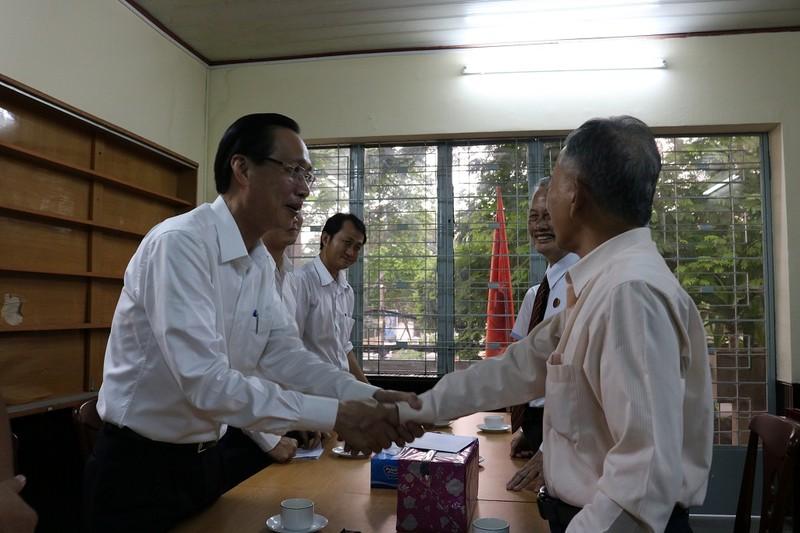 Lãnh đạo TP.HCM thăm các cựu binh chiến dịch Mậu Thân  - ảnh 2