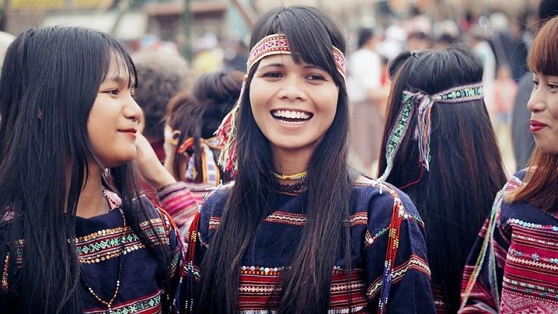 Ngẩn ngơ trước vẻ đẹp của các cô gái Bahnar - ảnh 6