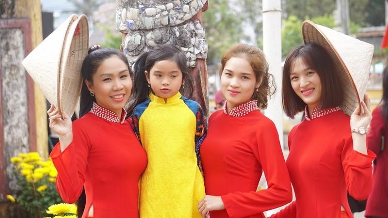 Ngẩn ngơ trước vẻ đẹp của các cô gái Bahnar - ảnh 9
