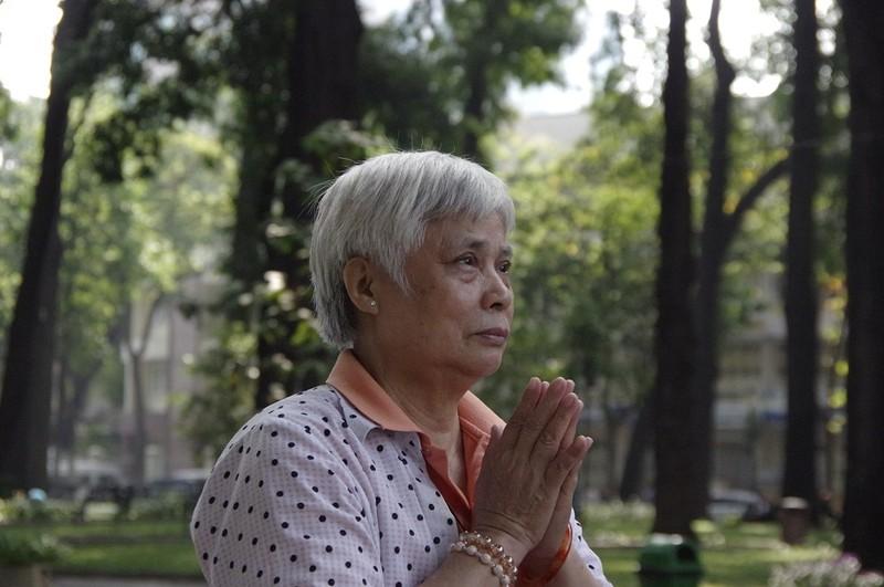 Cụ bà từ Hà Nội vào tiễn đưa cố Thủ tướng Phan Văn Khải - ảnh 1