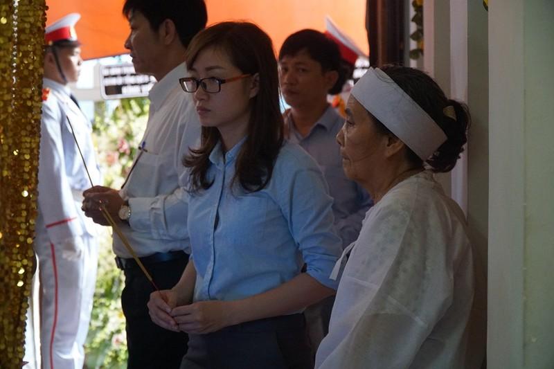 Vợ anh hùng Nguyễn Văn Thương: 'Tôi đi trước ai lo cho ổng...' - ảnh 1