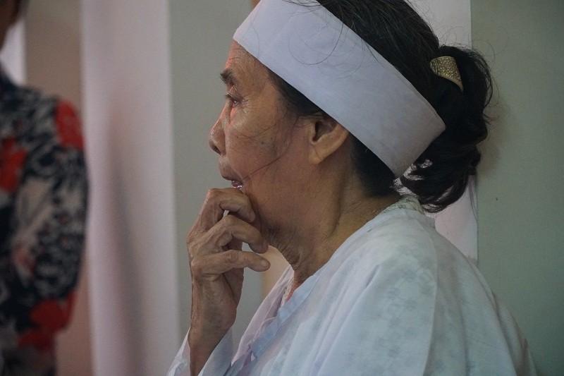 Vợ anh hùng Nguyễn Văn Thương: 'Tôi đi trước ai lo cho ổng...' - ảnh 4