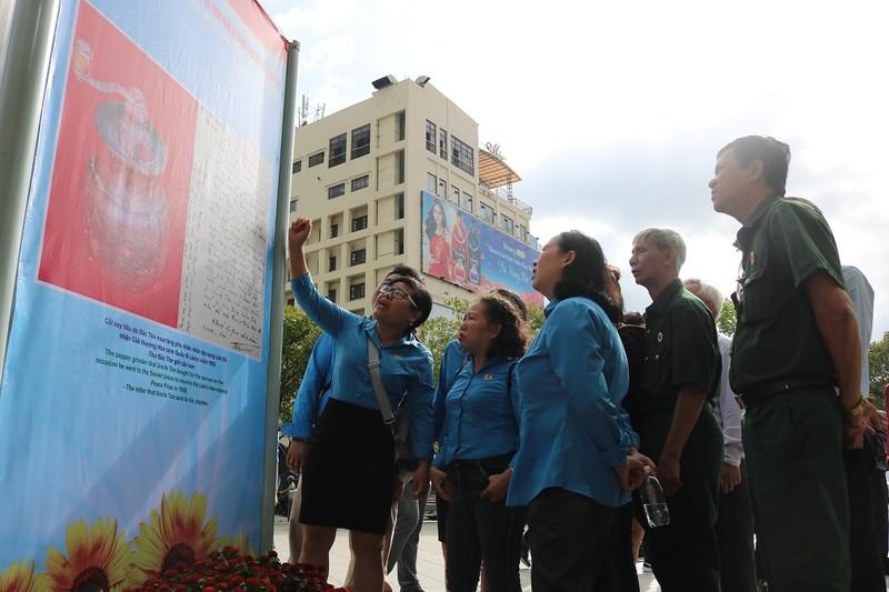 Triển lãm kỷ niệm 130 năm ngày sinh Chủ tịch Tôn Đức Thắng - ảnh 3