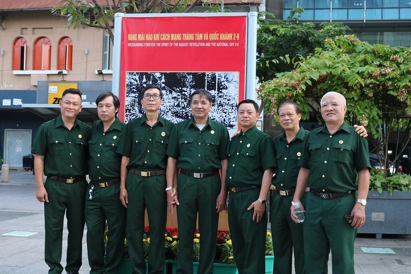 TP.HCM triển lãm ảnh kỷ niệm CMT8 và Quốc khánh 2-9 - ảnh 7