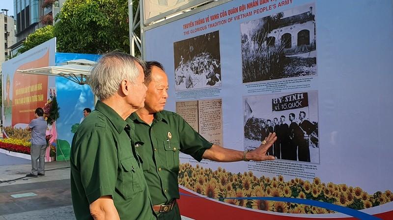 TP.HCM triển lãm ảnh 75 năm Quân đội nhân dân Việt Nam - ảnh 3