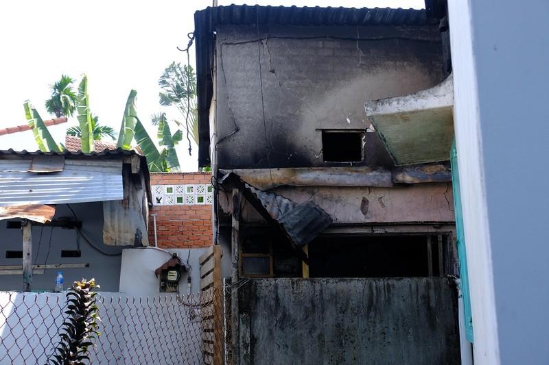 Chùm ảnh hiện trường vụ cháy khiến 5 người chết ở quận 9 - ảnh 5