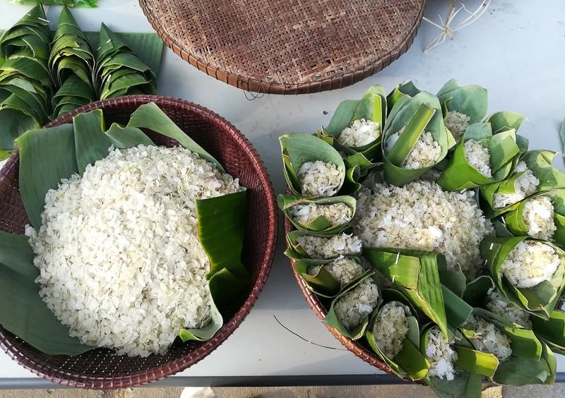 Về Trà Vinh trải nghiệm làm cốm dẹp cùng người Khmer - ảnh 6
