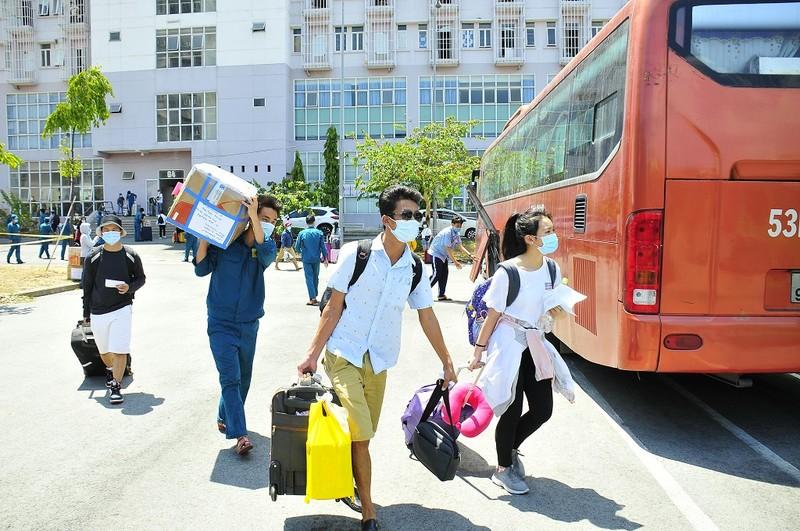 Hơn 2.000 người hoàn thành cách ly ở KTX ĐH Quốc gia TP.HCM - ảnh 2