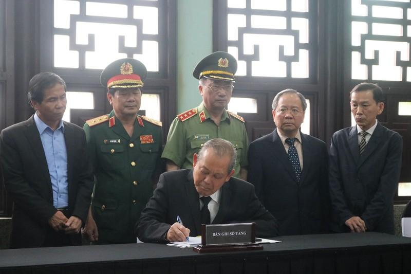 Phó Thủ tướng Trương Hòa Bình viếng nhà tình báo Mười Hương - ảnh 4