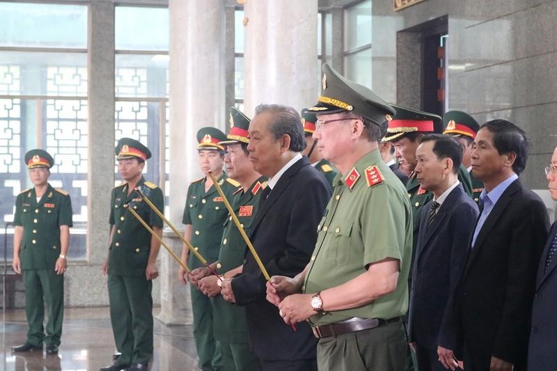 Phó Thủ tướng Trương Hòa Bình viếng nhà tình báo Mười Hương - ảnh 1