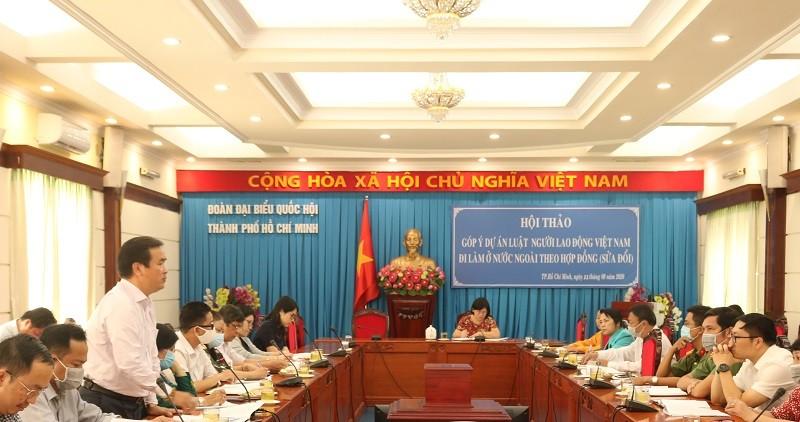 Luật phải bảo vệ lợi ích người lao động làm việc ở nước ngoài - ảnh 2