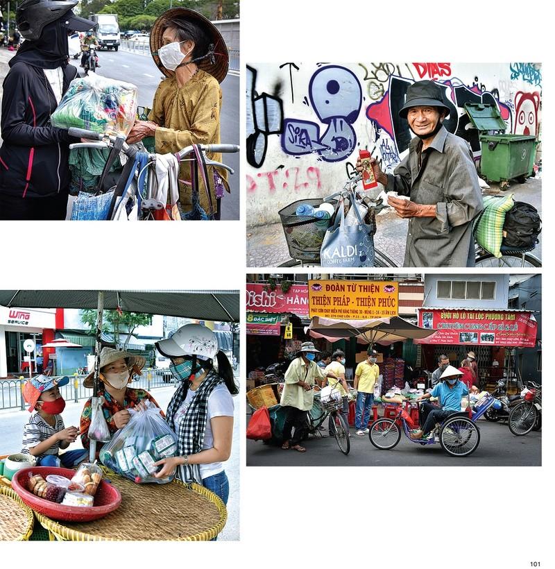 """Điểm lại mùa """"Sài Gòn COVID-19"""" qua sách ảnh - ảnh 2"""