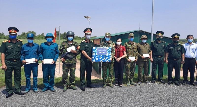 TP.HCM thăm lực lượng phòng chống dịch tại biên giới Tây Ninh  - ảnh 2