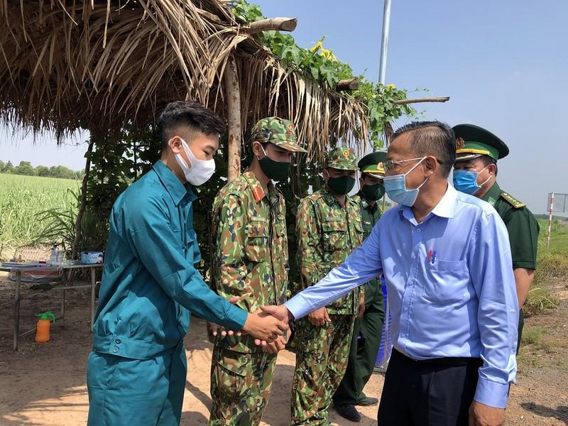 TP.HCM thăm lực lượng phòng chống dịch tại biên giới Tây Ninh  - ảnh 1