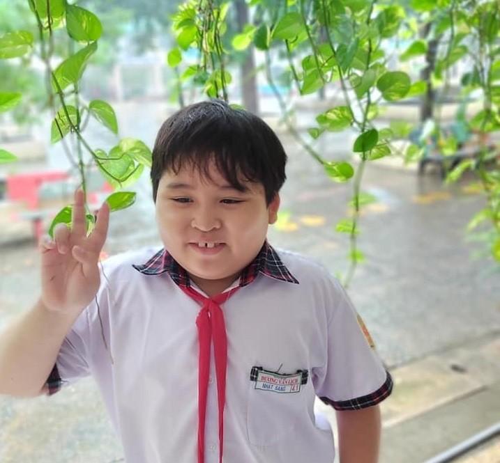 Các em nhỏ ở TP.HCM viết thư tay, ôm heo đất đến quyên góp cùng chống dịch  - ảnh 2