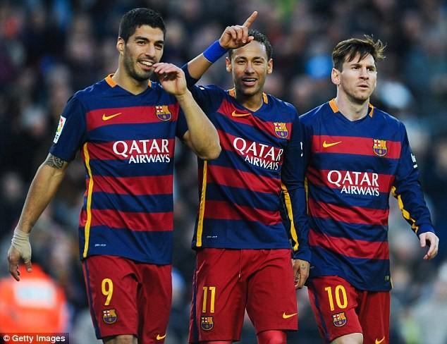 Ký hợp đồng khủng với Barcelona, Neymar 'hóa'... Batman - ảnh 3