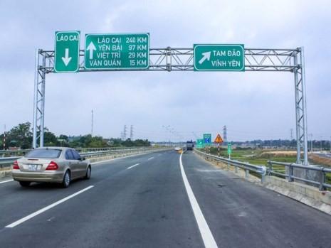 Làm gì để an toàn cho lái xe trên cao tốc - ảnh 3