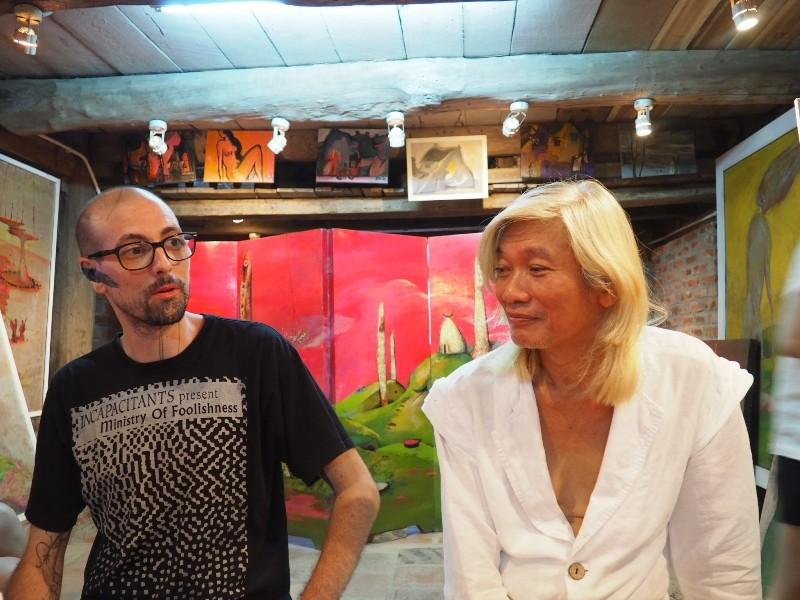 Nghệ sĩ Đào Anh Khánh diễn trên mặt sân khấu nước - ảnh 1