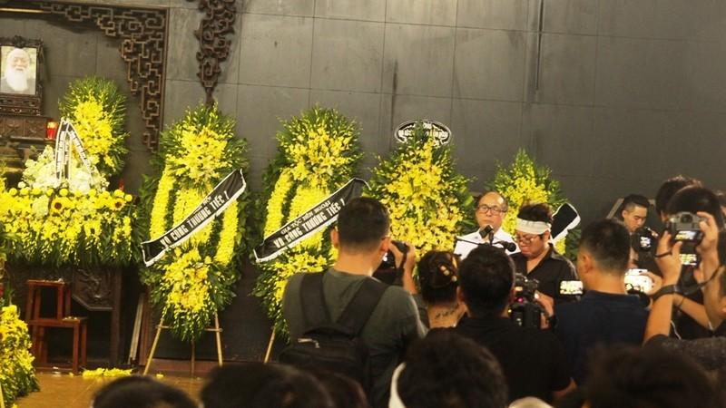 Tiếng khóc nghẹn ở lễ tang nhà giáo Văn Như Cương - ảnh 3