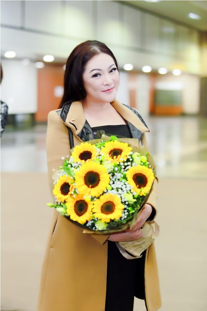 Như Quỳnh có mặt ở Hà Nội, tiết lộ người tình mùa đông - ảnh 5