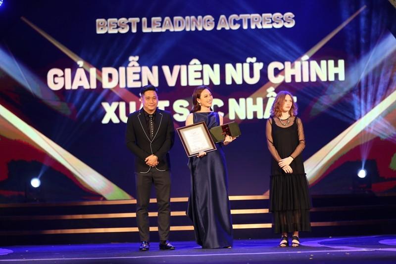Nữ diễn viên 'Nhắm mắt thấy mùa hè' giành giải cao - ảnh 1