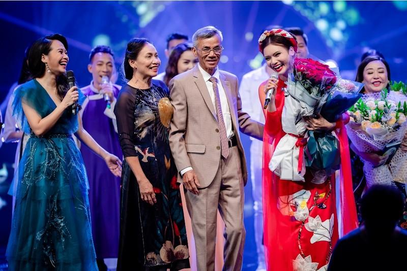 Thanh Lam như 'lên đồng' khi hát ca khúc của đàn em - ảnh 2