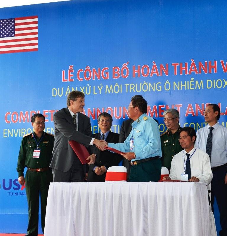 Mỹ cam kết tiếp tục tích cực giải quyết hậu quả chiến tranh - ảnh 1