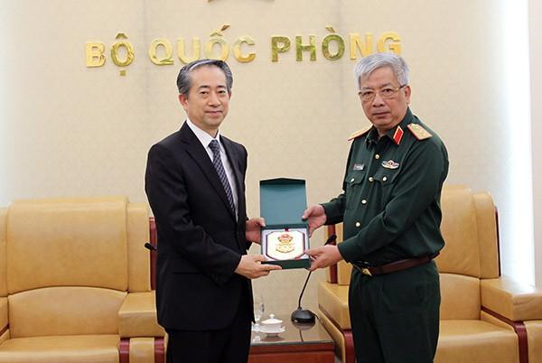 Hợp tác quốc phòng Việt - Trung đang phát triển tốt đẹp - ảnh 1
